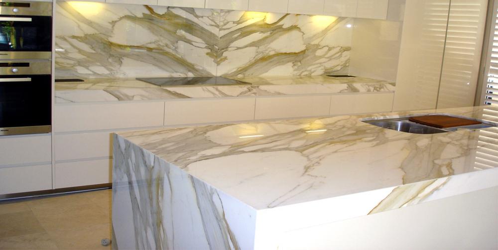 Marble Kitchen Top : Calacatta Gold Marble Kitchen - Baltic Stonemason Professionals